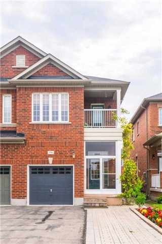 Semi-detached at 576 Coach Dr, Mississauga, Ontario. Image 12