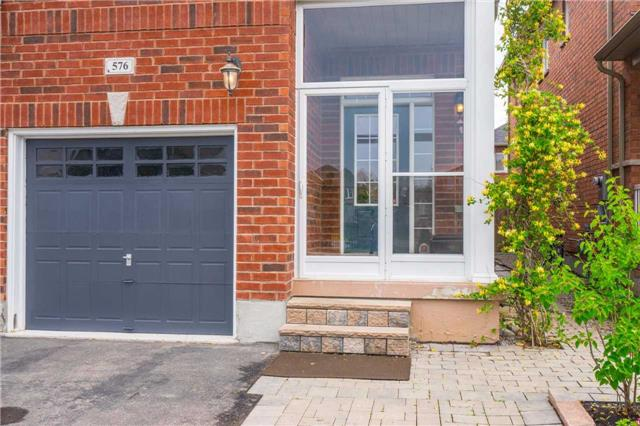 Semi-detached at 576 Coach Dr, Mississauga, Ontario. Image 14