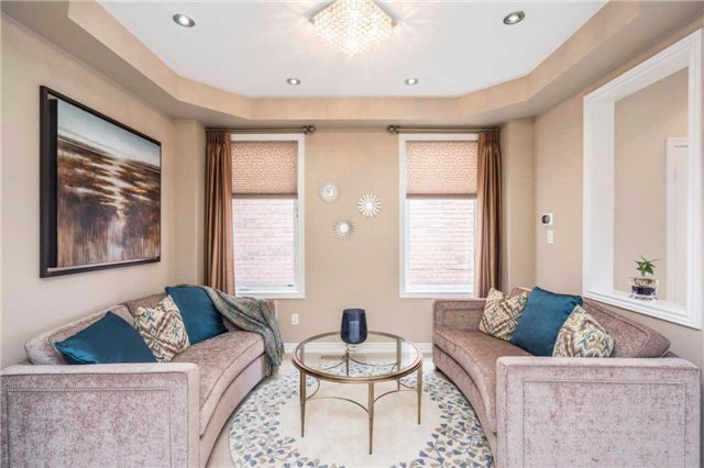 Semi-detached at 576 Coach Dr, Mississauga, Ontario. Image 19