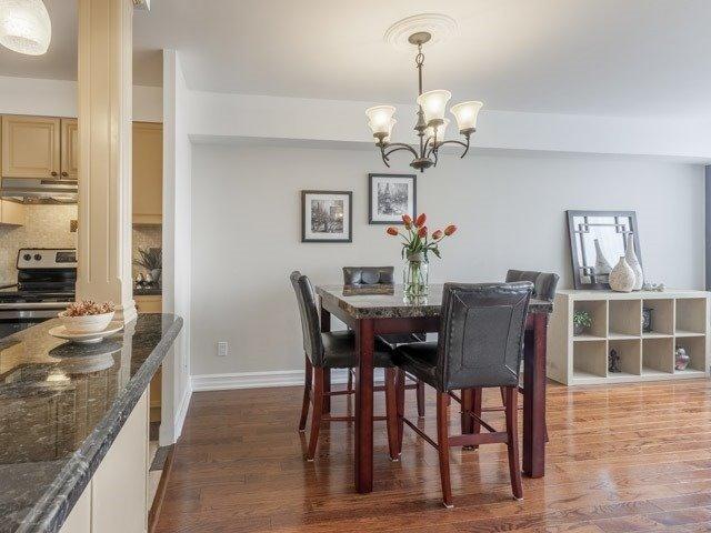 Condo Apartment at 200 Robert Speck Pkwy, Unit 904, Mississauga, Ontario. Image 12
