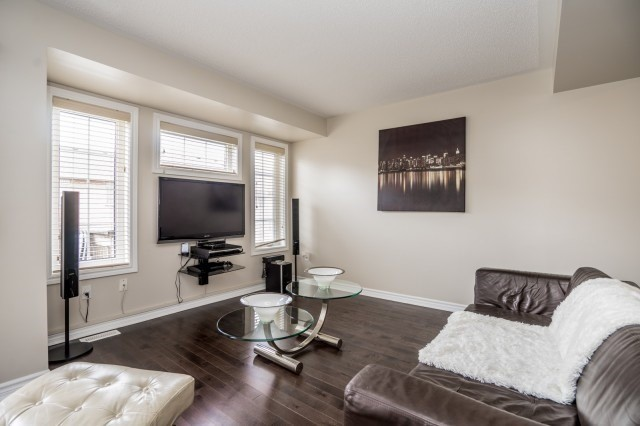 Semi-detached at 32 Frost King Lane, Toronto, Ontario. Image 2