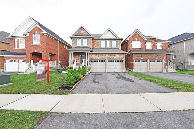 Detached at 14 Bushmill Circ, Brampton, Ontario. Image 1