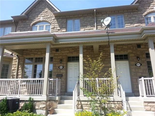 Condo Townhouse at 1009 Lorne Park Rd, Unit 5, Mississauga, Ontario. Image 1