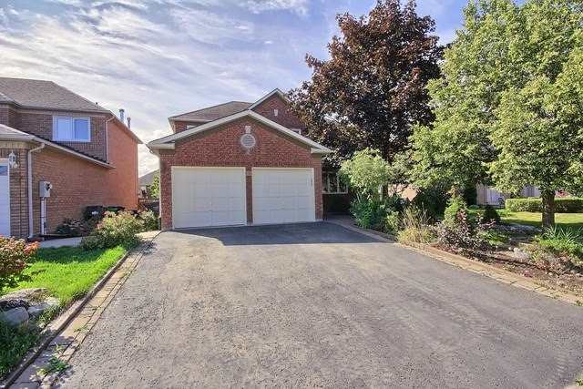 Detached at 9 Foxchase Dr, Caledon, Ontario. Image 1