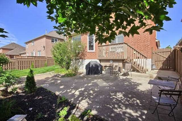 Detached at 9 Foxchase Dr, Caledon, Ontario. Image 13