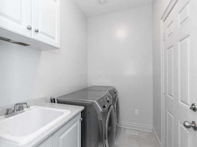Semi-detached at 44 Rising Hill Rdge, Brampton, Ontario. Image 2