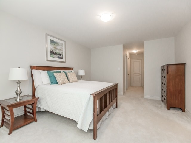 Semi-detached at 44 Rising Hill Rdge, Brampton, Ontario. Image 3