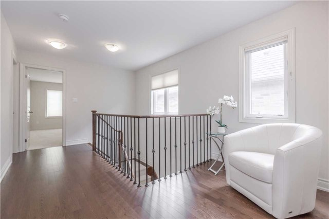 Semi-detached at 44 Rising Hill Rdge, Brampton, Ontario. Image 7