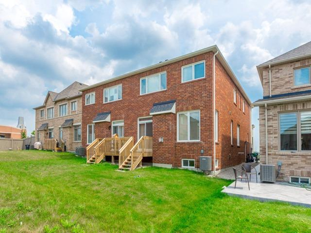 Semi-detached at 44 Rising Hill Rdge, Brampton, Ontario. Image 8