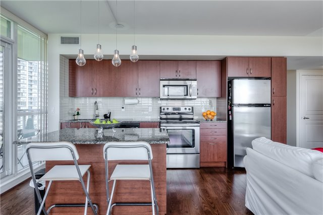 Condo Apartment at 15 Legion Rd, Unit 1704, Toronto, Ontario. Image 15