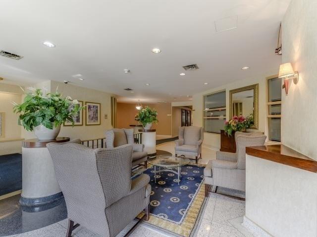 Condo Apartment at 10 Laurelcrest St, Unit 404, Brampton, Ontario. Image 14