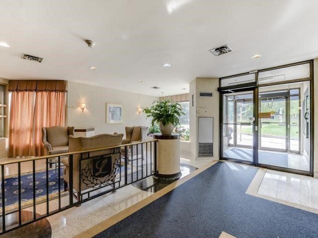Condo Apartment at 10 Laurelcrest St, Unit 404, Brampton, Ontario. Image 15