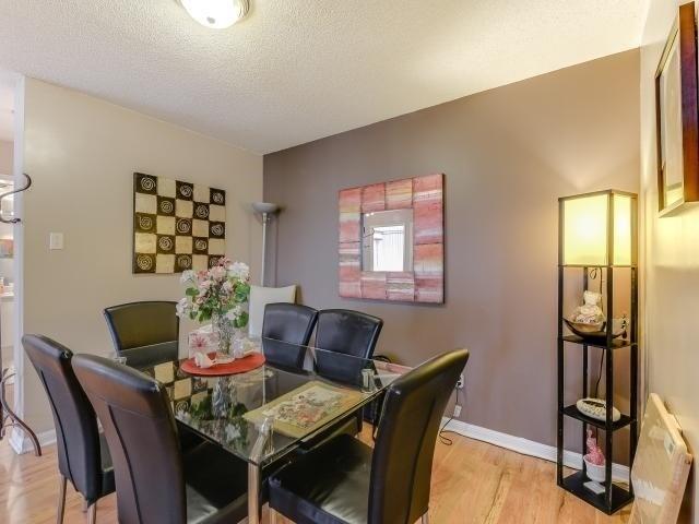 Condo Apartment at 10 Laurelcrest St, Unit 404, Brampton, Ontario. Image 20