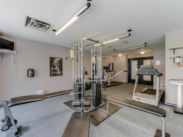 Condo Apartment at 10 Laurelcrest St, Unit 404, Brampton, Ontario. Image 9