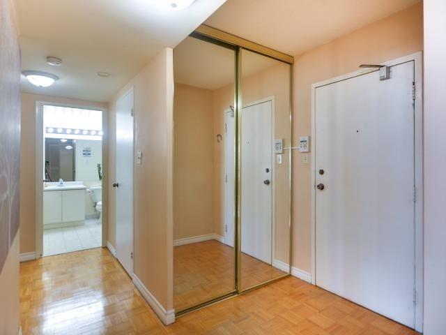 Condo Apartment at 1333 Bloor St, Unit 2211, Mississauga, Ontario. Image 14