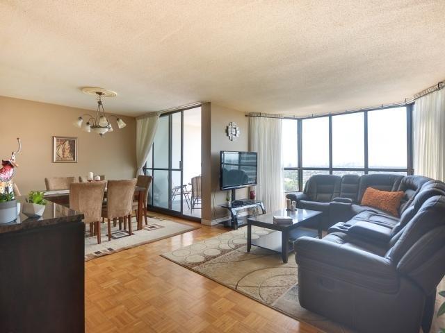 Condo Apartment at 1333 Bloor St, Unit 2211, Mississauga, Ontario. Image 15