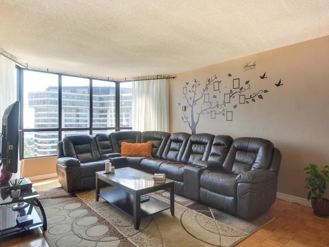 Condo Apartment at 1333 Bloor St, Unit 2211, Mississauga, Ontario. Image 16