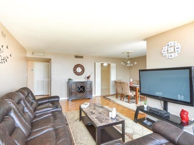 Condo Apartment at 1333 Bloor St, Unit 2211, Mississauga, Ontario. Image 17