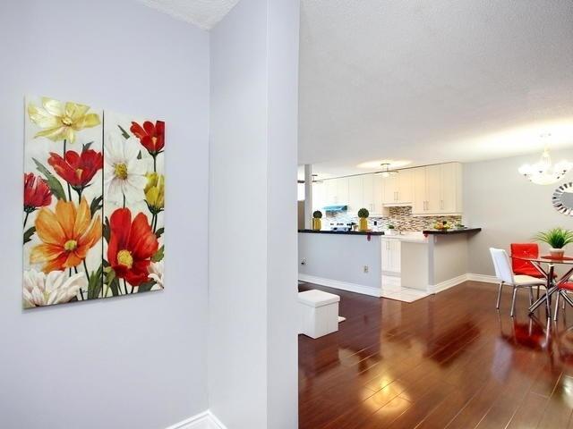 Condo Apartment at 17 Knightsbridge Rd, Unit 1604, Brampton, Ontario. Image 10