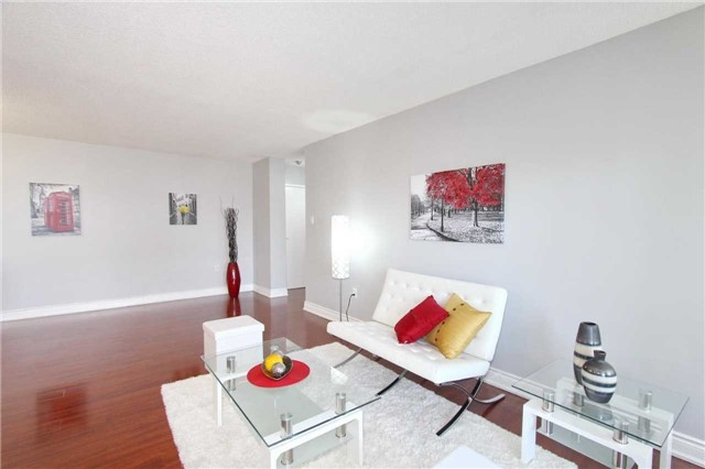 Condo Apartment at 17 Knightsbridge Rd, Unit 1604, Brampton, Ontario. Image 12