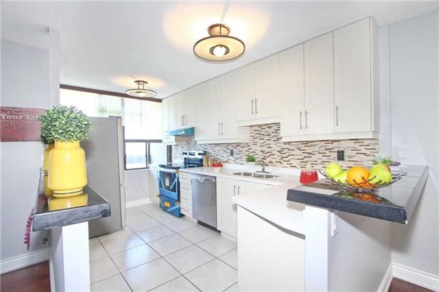 Condo Apartment at 17 Knightsbridge Rd, Unit 1604, Brampton, Ontario. Image 14
