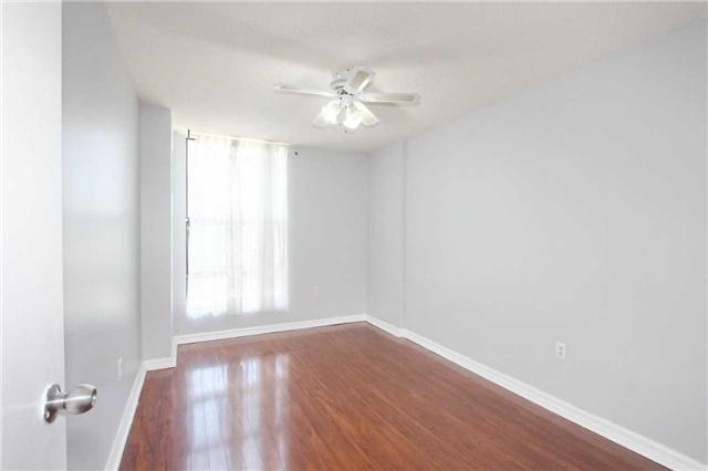 Condo Apartment at 17 Knightsbridge Rd, Unit 1604, Brampton, Ontario. Image 15