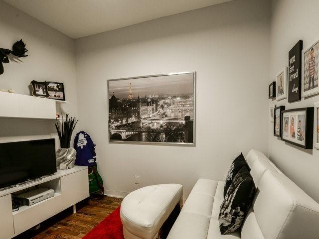 Condo Apartment at 90 Park Lawn Rd, Unit 1908, Toronto, Ontario. Image 6