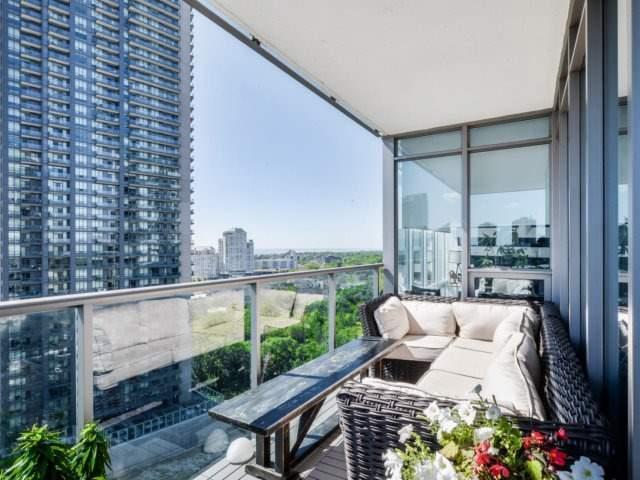 Condo Apartment at 90 Park Lawn Rd, Unit 1908, Toronto, Ontario. Image 9