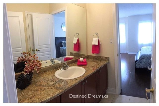 Detached at 85 Birch Tree Tr, Brampton, Ontario. Image 2