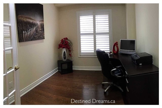 Detached at 85 Birch Tree Tr, Brampton, Ontario. Image 3