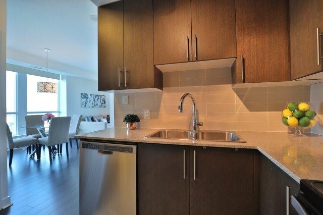 Condo Apartment at 3985 Grand Park Dr, Unit 610, Mississauga, Ontario. Image 2