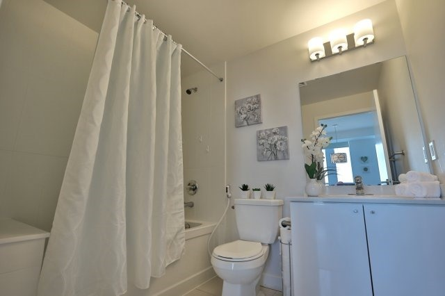 Condo Apartment at 3985 Grand Park Dr, Unit 610, Mississauga, Ontario. Image 6