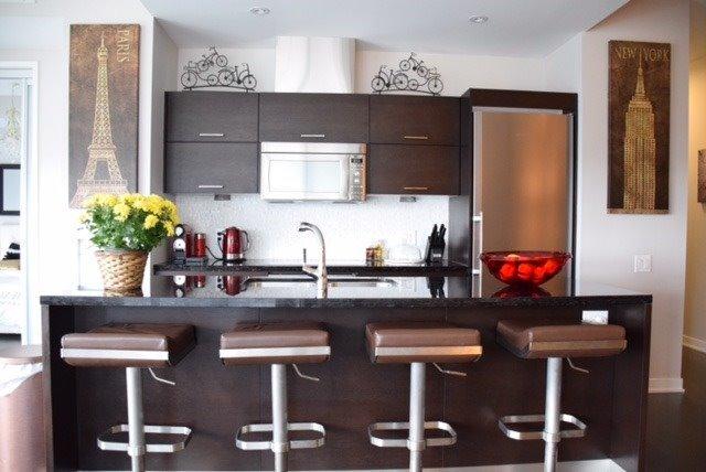 Condo Apartment at 90 Park Lawn Rd, Unit 605, Toronto, Ontario. Image 9