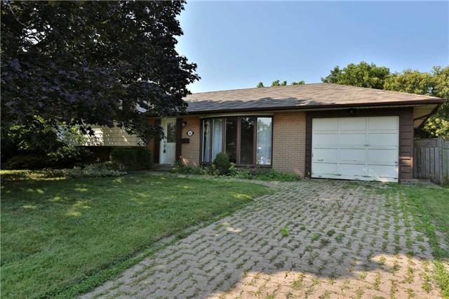 Detached at 392 Tennyson Dr, Oakville, Ontario. Image 1