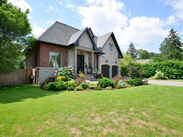 Detached at 1508 Kenmuir Ave, Mississauga, Ontario. Image 12
