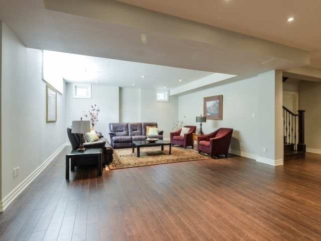 Detached at 1508 Kenmuir Ave, Mississauga, Ontario. Image 8