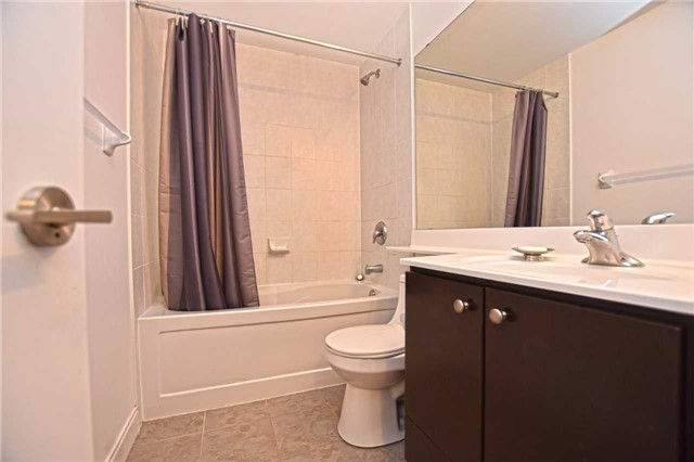 Condo Apartment at 60 Absolute Ave, Unit 1004, Mississauga, Ontario. Image 5