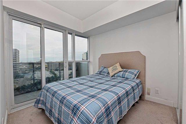 Condo Apartment at 60 Absolute Ave, Unit 1004, Mississauga, Ontario. Image 6