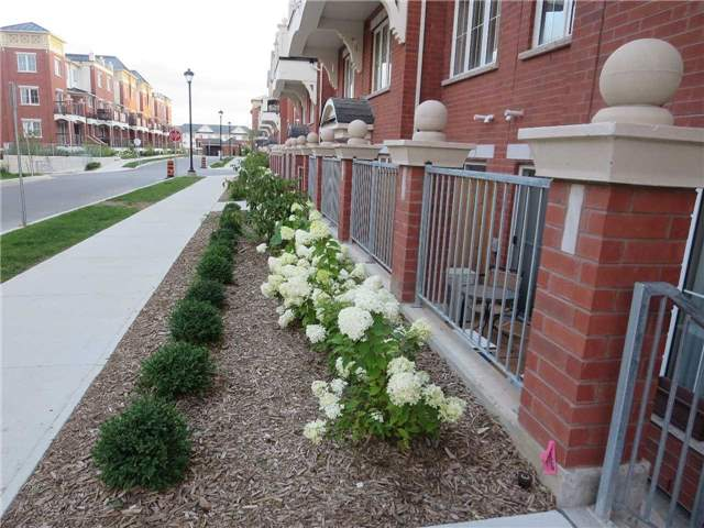 Condo Townhouse at 2488 Post Rd, Unit 20, Oakville, Ontario. Image 1