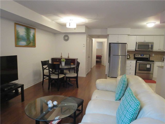Condo Townhouse at 2488 Post Rd, Unit 20, Oakville, Ontario. Image 9