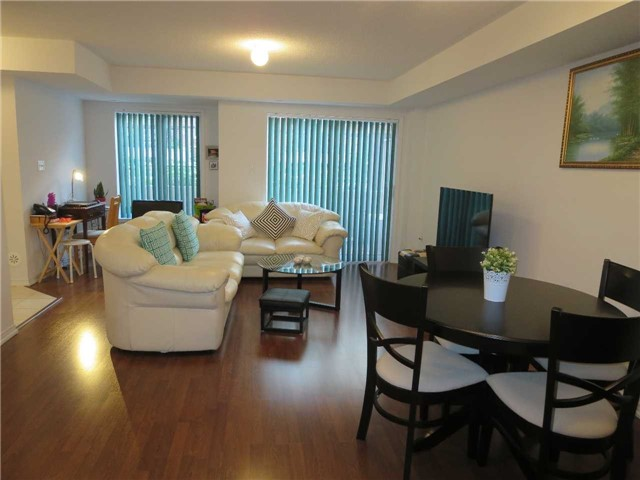 Condo Townhouse at 2488 Post Rd, Unit 20, Oakville, Ontario. Image 10