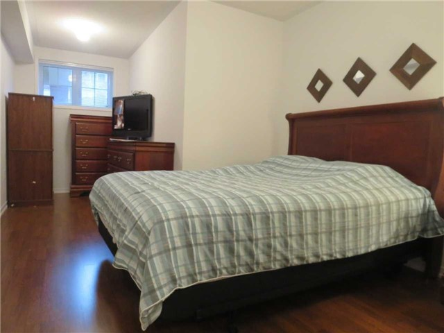 Condo Townhouse at 2488 Post Rd, Unit 20, Oakville, Ontario. Image 14