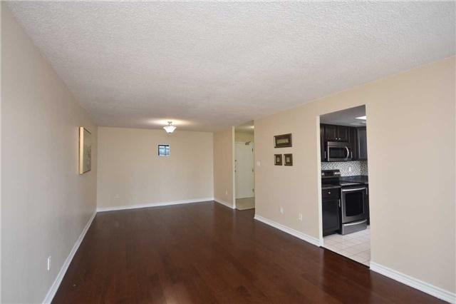 Condo Apartment at 350 Webb Dr, Unit 1705, Mississauga, Ontario. Image 17