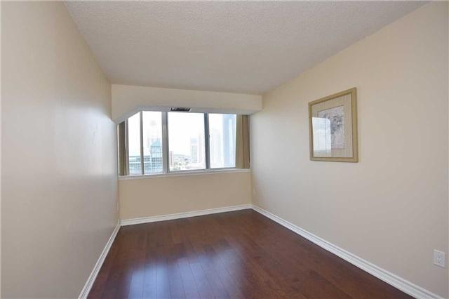 Condo Apartment at 350 Webb Dr, Unit 1705, Mississauga, Ontario. Image 6