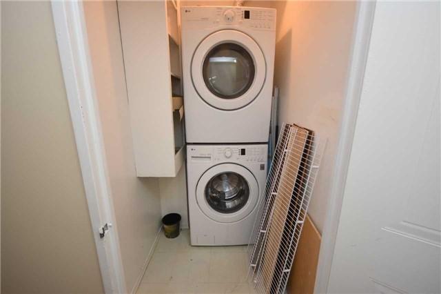 Condo Apartment at 350 Webb Dr, Unit 1705, Mississauga, Ontario. Image 8