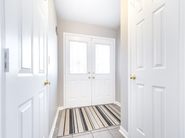 Semi-detached at 152 Manley Lane, Milton, Ontario. Image 14
