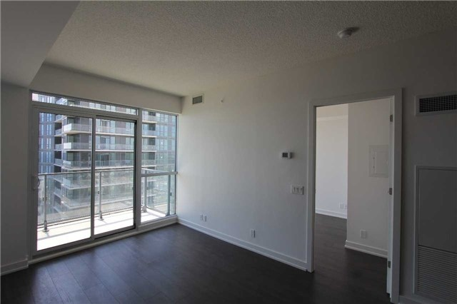 Condo Apartment at 2200 Lake Shore Blvd W, Unit 4103, Toronto, Ontario. Image 9