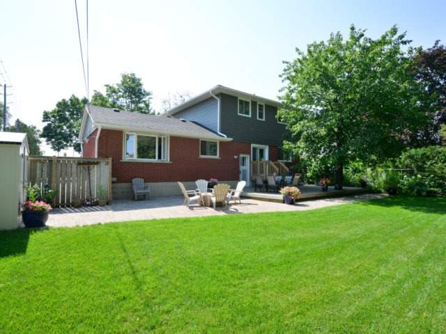 Detached at 3205 Sprucehill Ave, Burlington, Ontario. Image 11