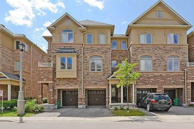 Condo Townhouse at 6625 Falconer Dr, Unit 8, Mississauga, Ontario. Image 1