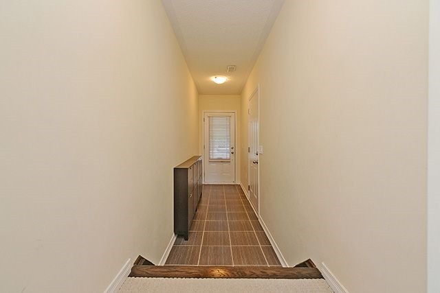 Condo Townhouse at 6625 Falconer Dr, Unit 8, Mississauga, Ontario. Image 14
